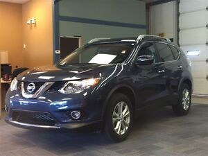 2015 Nissan Rogue SV *WAS $28,995 *Navigation *Sunroof *360 Came