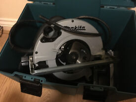 Makita 5703RK 190mm Heavy Duty Circular Saw with Carry Case 110v