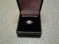 ladies stunning cz 14ct white gold ring