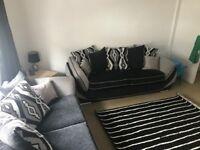 Modern 2 Bedroom Part-Furnish Ground Floor Flat £450/month - Deposit Required