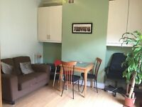 A NICE DOUBLE ROOM WITH GREAT LOCATION
