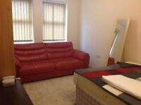 New big double room for female tenant to rent