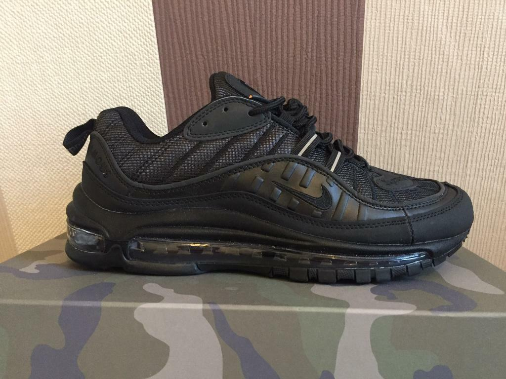 newest 2b635 41a81 Mens black SUPREME x Nike air max 98 collaboration SIZE 6