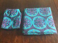 Reversible multi coloured double duvet set (cover & 2 pillow cases)