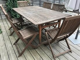Garden table and chairs (X6)