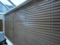Professionaly manufactured horizontal venetian blinds. Substantial. 5 of them from my conservatory.