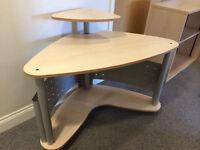 Work station/desk on castors, excellent condition
