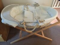 Mama's & Papa's Bed Time Hugs Moses Basket with Premium Stand & Premium Mattress & Cover