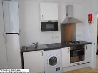Camden -2 Bed top floor-5 min walk to tube-deal direct with Landlord no admin fees-10 May-£350pw