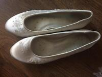 Flat shoes for sale ideal for weddings