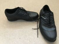Boys golf shoes size 5
