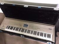 Korg Triton Workstation sampler, excellent condition, 88 keys with Case