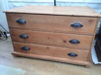 Victorian pine chest of drawers.