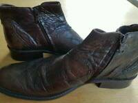 Mens Leather Boots size 9 uk, Brown
