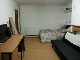 **STUDENT FLAT NEAR TO HUDDS TOWN CENTRE**