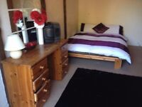 Large double room in welling couples welcome no dss south east london