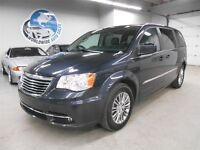 2014 Chrysler Town & Country LOADED LEATHER! FINANCING AVAILABLE