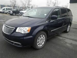 2015 Chrysler Town & Country Touring|Stowngo|Camera|Keyless Entr