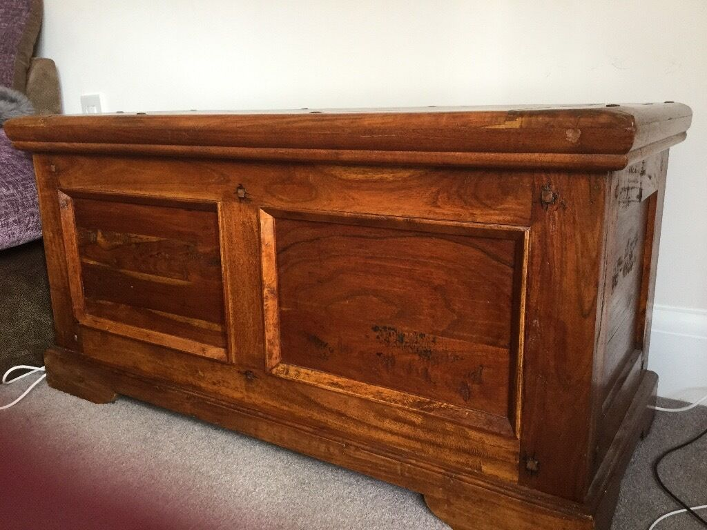 solid wood toy box  storage chest £  in guiseley west  - solid wood toy box  storage chest £