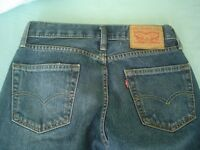 Levis mens jeans in dark blue, waiste 28 inside leg 30, brand new from the USA.