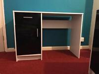 White And Black Gloss desk