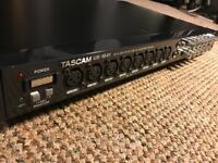 Tascam US-1641 USB 2.0 Audio/Midi interface
