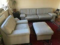 Walter Knoll 3 piece Leather sofa set Light grey. 3 seat sofa, 2 armchairs (footstool not included)