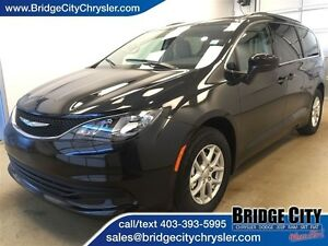 2017 Chrysler Pacifica LX *Demo Unit* Seating for 8!!
