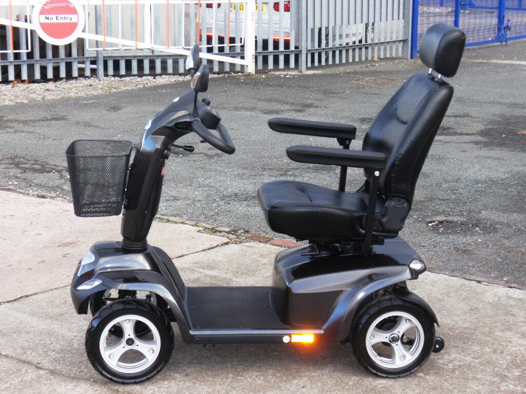 Days Strider ST5 Deluxe 8mph Heavy Duty Mobility Scooter. FREE Delivery. Mint Condition.