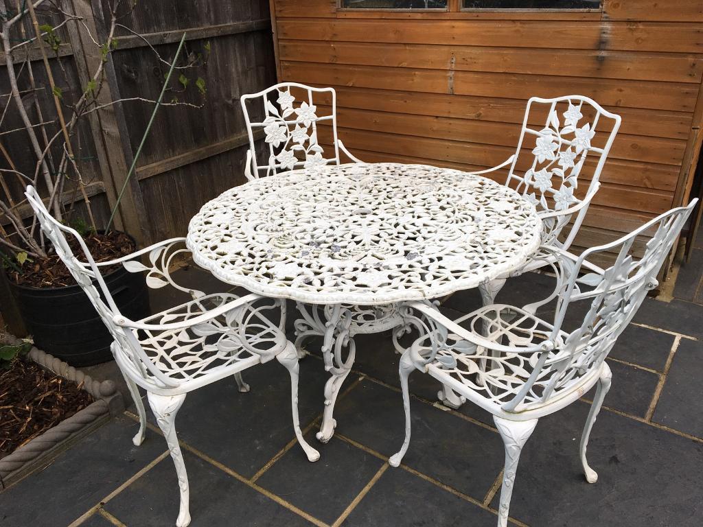 Beautiful White Iron Style Outdoor Dining Setting Furniture Aluminium Richmond