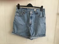 Women's Levi Strauss vintage denim shorts size 12