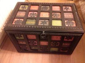 Medium storage chest