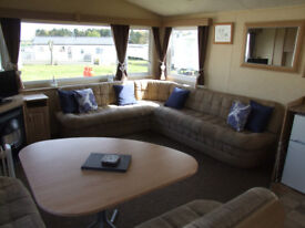 Last minute getway specials for June in three bedroom static, CAYTON BAY, N.YORKSHIRE