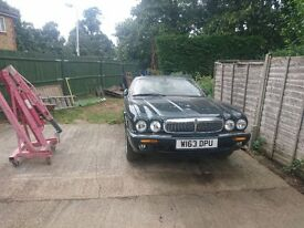 Jagaur v8 spares or repairs