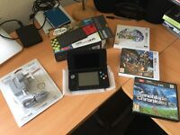 New Nintendo 3ds + Original Charger + 3 Games