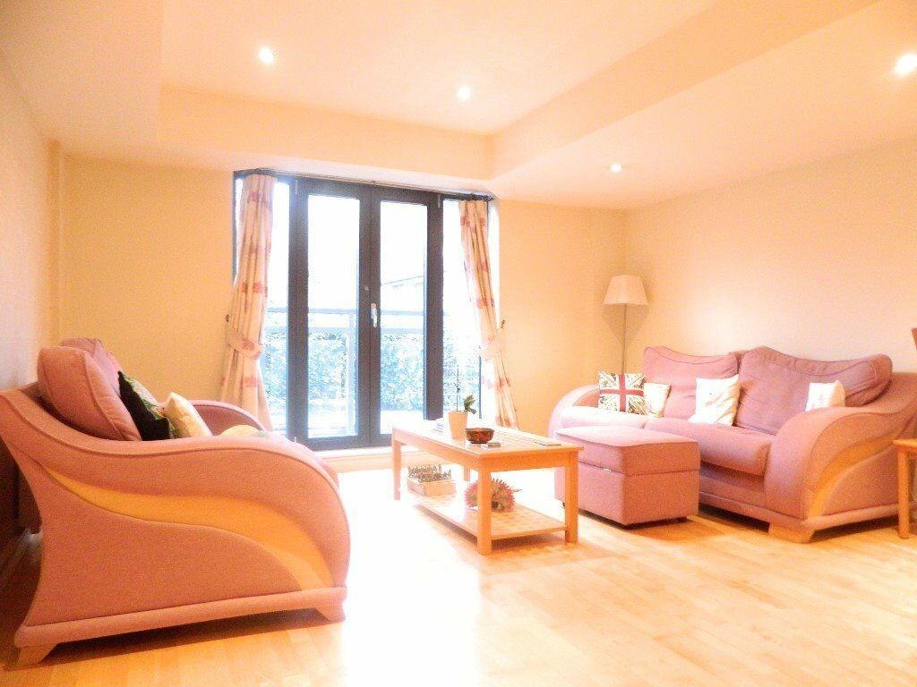 *Spectacular 2 bed new build apartment with 2 bathrooms situated in the heart of E3*