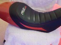 Honda MSX 125 Grom Seat Red Black Carbon