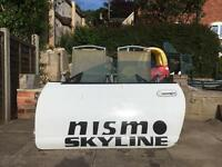 Nissan skyline r 33 doors