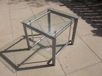Two tier glass unit - Excellent condition