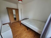 Spacious 4 bed house in barking part dss welcome