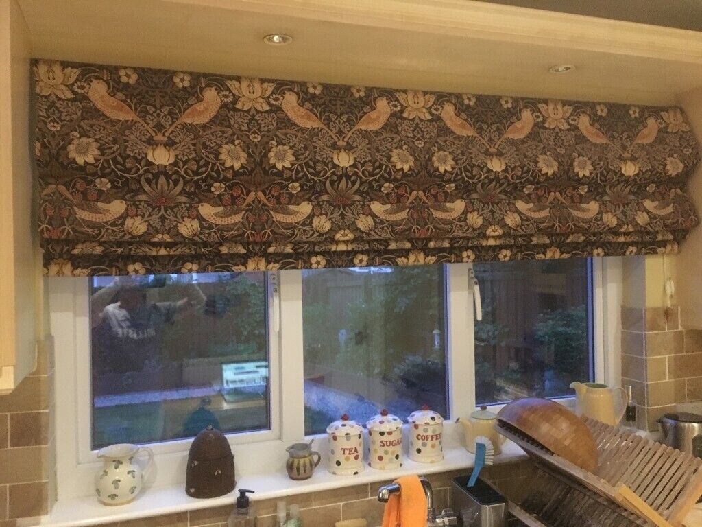Stunning Roman Blind William Morris Print The