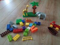 Lego Duplo Zoo / Safari with lots of bricks, plate Clean VGC