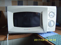 Microwave oven 700W £15