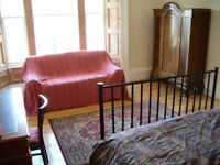 Large double room next to the Meadows