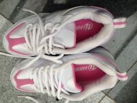 Heelys UK Size 7 - Fizz (White and Pink colour)