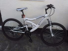 Forsale new muddy fox 26in wheels only rode few times perfect Xmas present 50ono