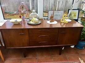 Mid-Century Modern Retro Sideboard For Sale
