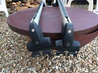 Mk4 Golf lockable roof bars 5door only