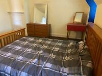 Large Double room to rent short or long term