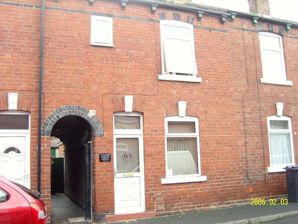 Two Rooms Available In A 4 Bed Student House Midway York Uni And City Centre